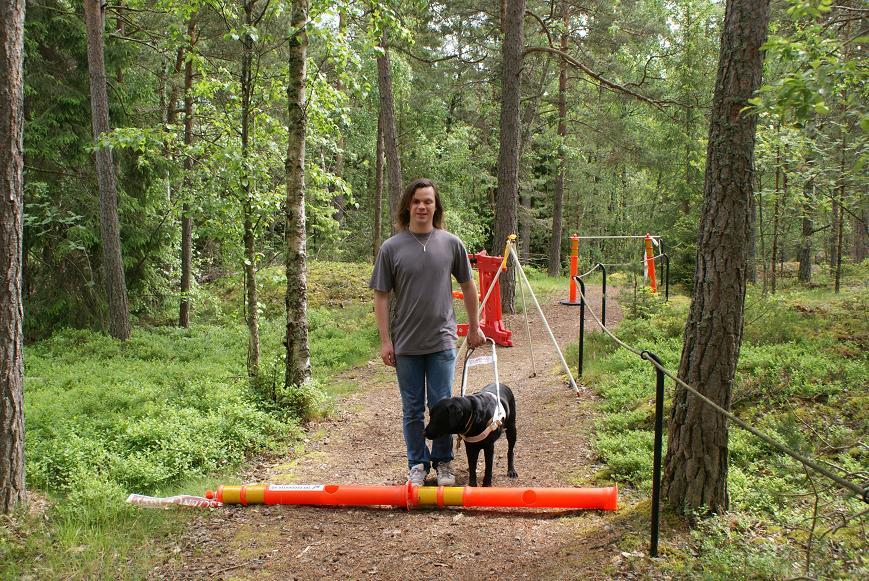 Bild: Joakim Nömell med ledarhunden Fassi