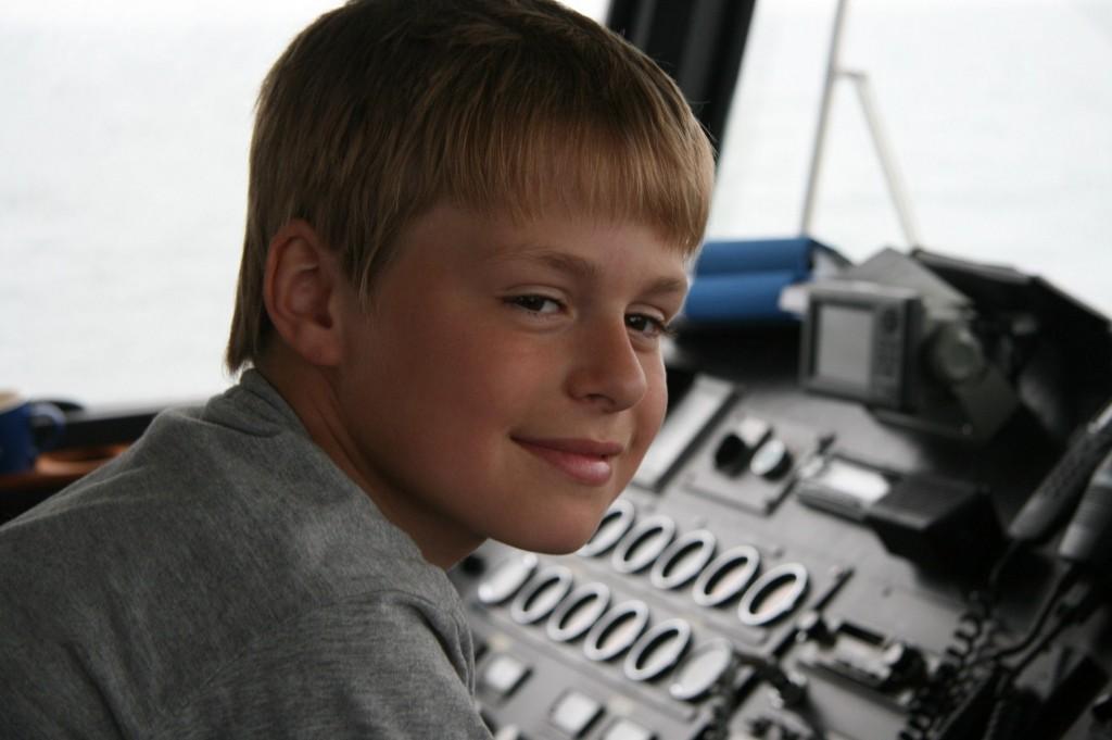Bild: Jesper Nömell får provköra Gotska Sandöbåten