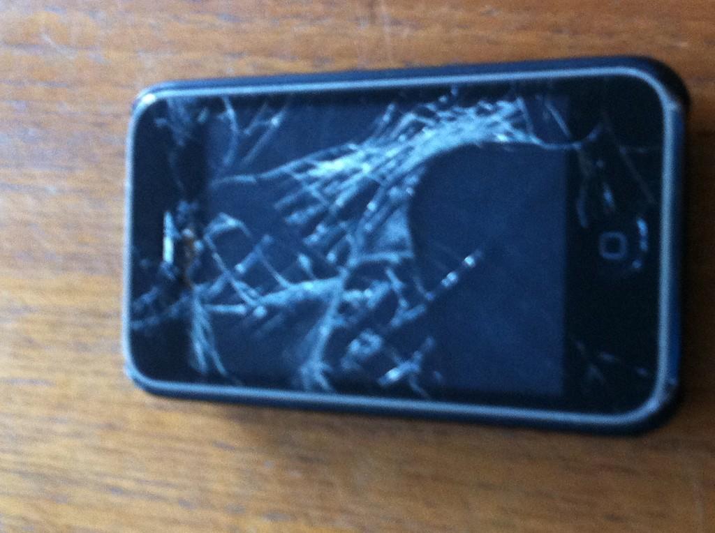 iPhone 3GS med trasig display