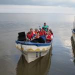 bild: mot alla odds gänget anländer i båt 2013