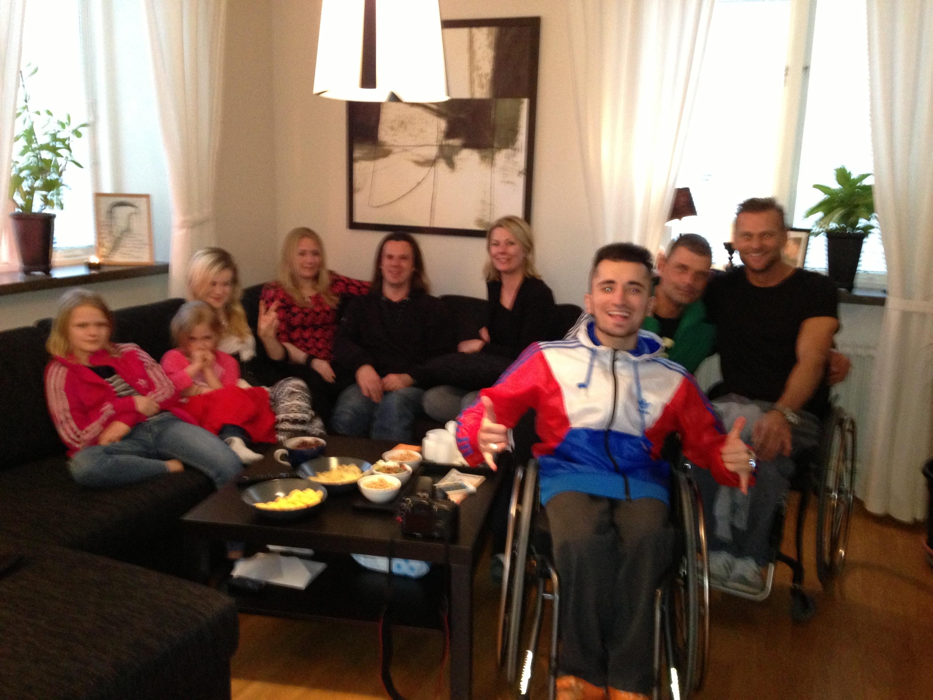 Bild: Gruppbild med Emilia, Miranda, Denise, Maria & Joakim Nömell, Minna Huhkamo, Rickard Forshäll, Niclas Rodhborn och Arkan Palani. Foto: Jesper Nömell