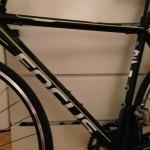 Bild: Cykel Focus Culebro närbild styre med monterad Garmin Edge 810