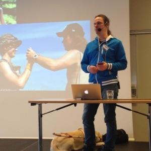Bild: Joakim Nömell föreläser för FFS 2014