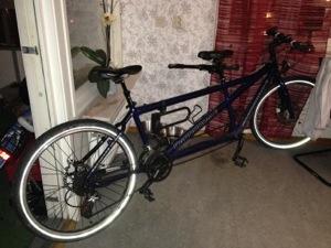Bild: Tandemcykel Canondale Touring utan pakethållare och stänkskärmar