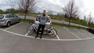 Bild: Mattias Pålsson vid tandemcykel