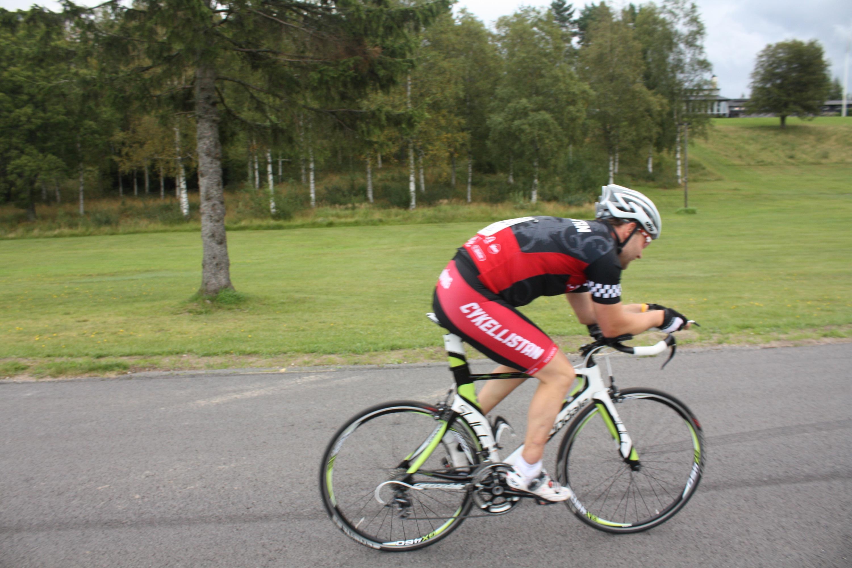 Bild: Henrik Marvig på anpassad racer